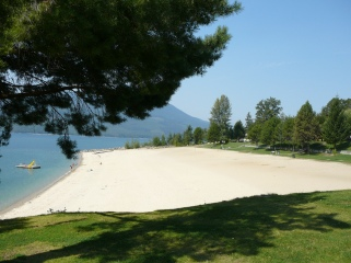 Sandy public beach in Nakusp